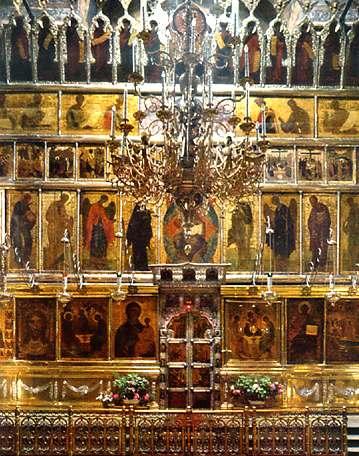 Отделяет алтарь от остального храма иконостас.  Правда, некоторая часть алтаря (возвышения) находится перед...